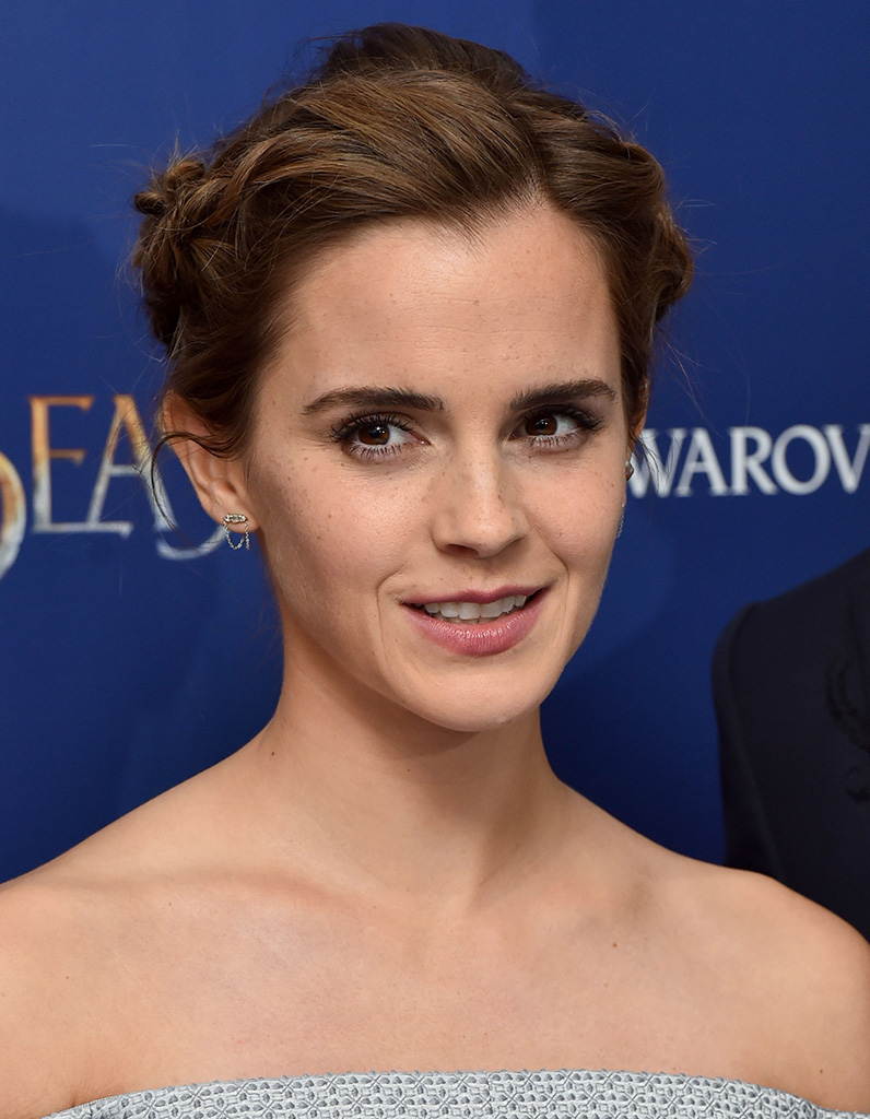 emma watson b lier 10 stars n es sous le signe b lier elle. Black Bedroom Furniture Sets. Home Design Ideas