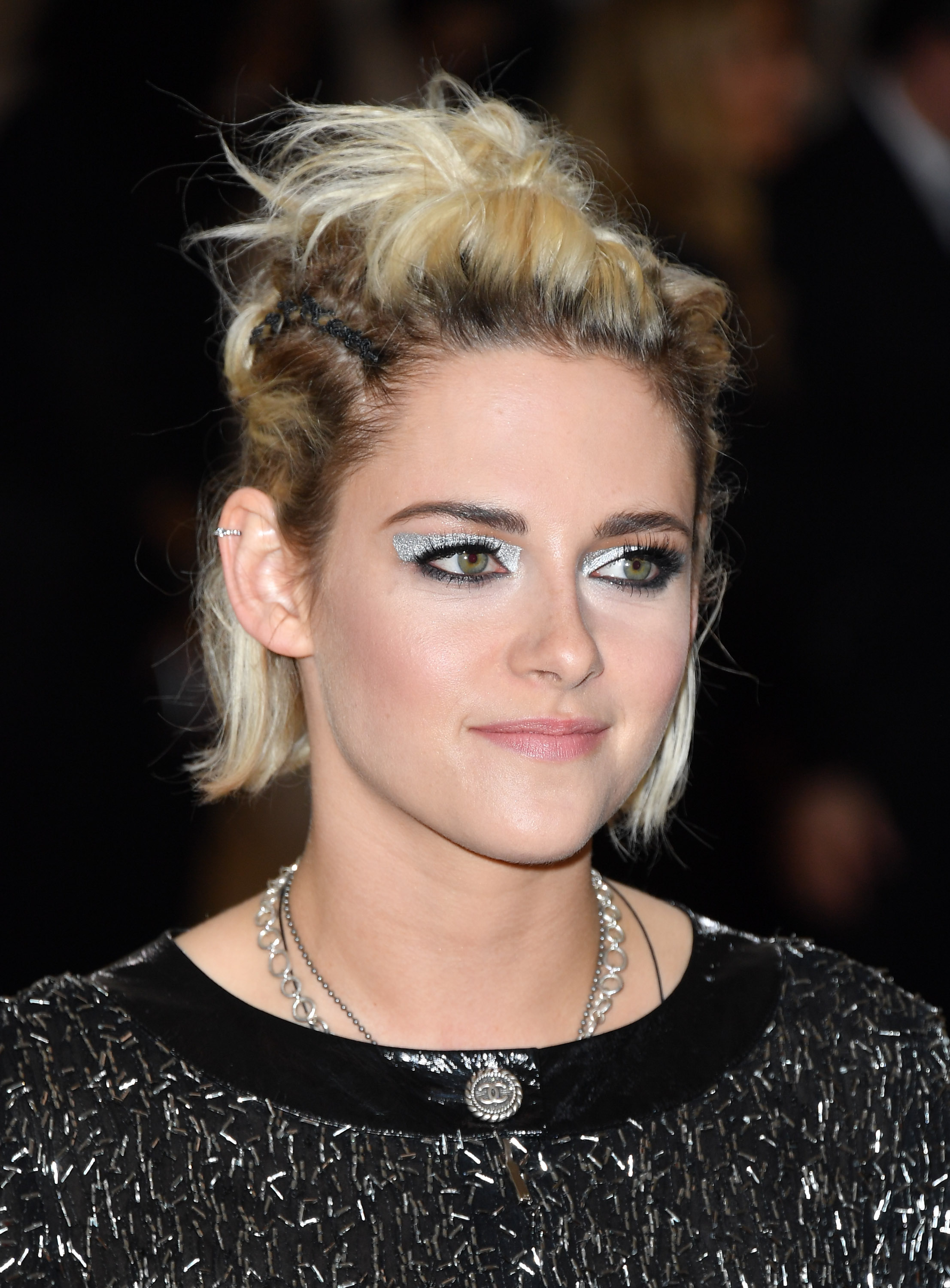 Kristen stewart coupe de cheveux 2016 for Coupe de cheveux stars 2016