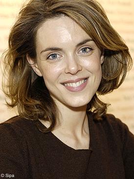 Julie andrieu elle for Coupe de cheveux julie andrieu