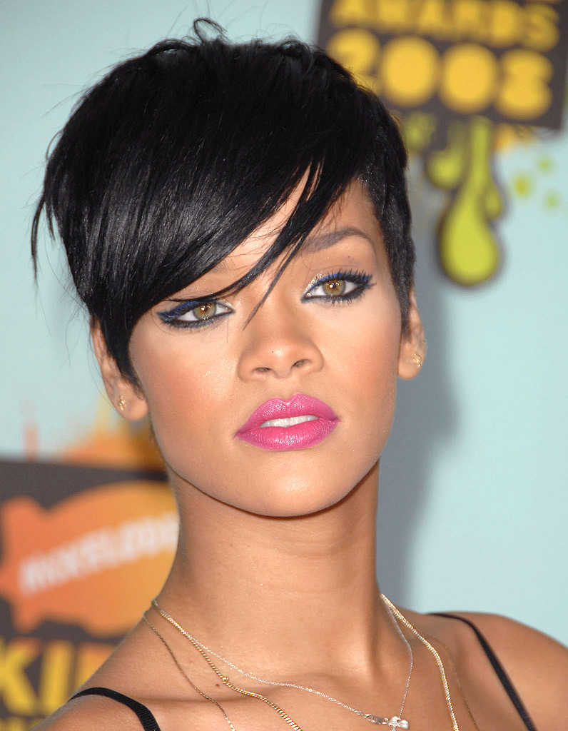 coupe de cheveux femme court rihanna. Black Bedroom Furniture Sets. Home Design Ideas
