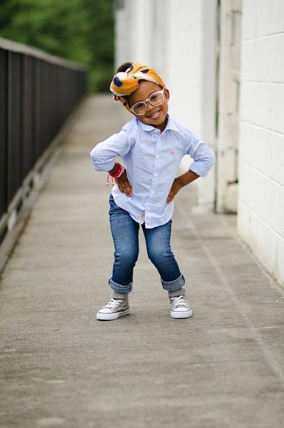 coiffure petite fille avec un foulard 40 coiffures de petite fille qui changent des couettes. Black Bedroom Furniture Sets. Home Design Ideas