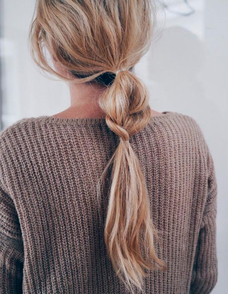 coiffure simple et chic coiffure simple 20 jolies id es pour les filles press es elle. Black Bedroom Furniture Sets. Home Design Ideas