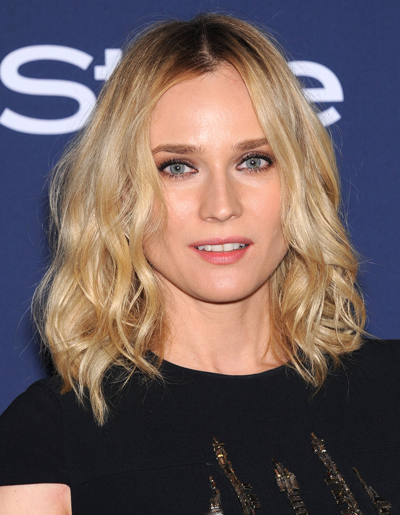 le carr flou de diane kruger le carr flou nouvelle coupe pr f r e des stars elle. Black Bedroom Furniture Sets. Home Design Ideas