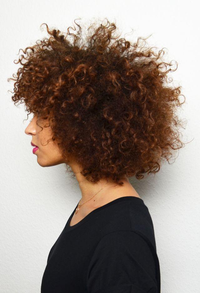 cheveux boucl s afro cheveux boucl s quelques id es de. Black Bedroom Furniture Sets. Home Design Ideas
