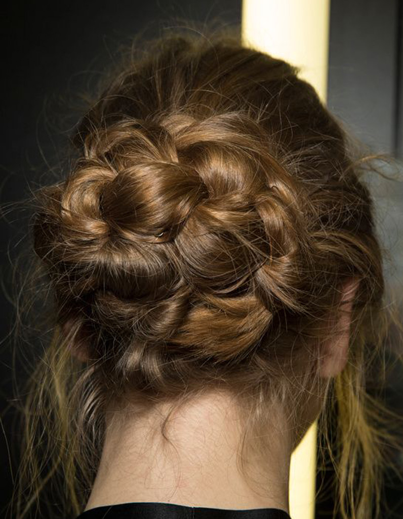 id e coiffure cheveux ondul s automne hiver 2016 cheveux ondul s de jolies coiffures pour un. Black Bedroom Furniture Sets. Home Design Ideas
