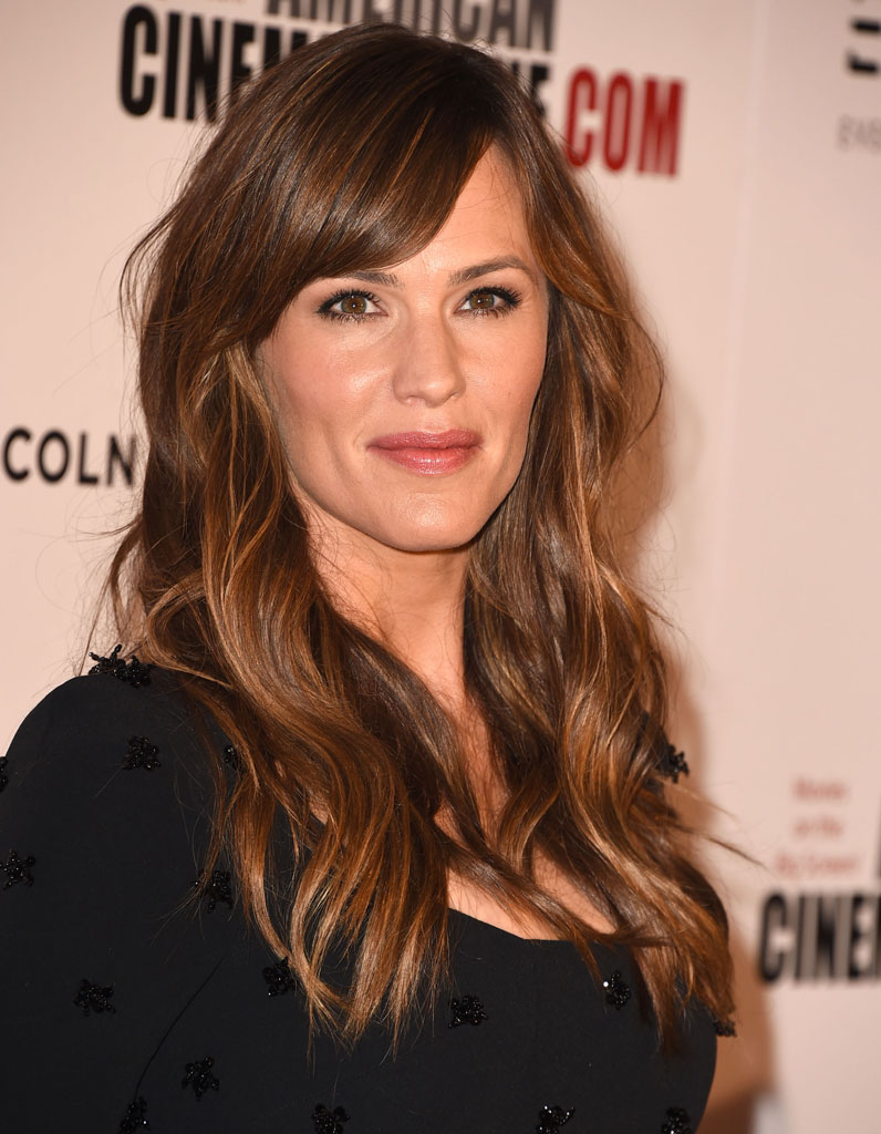 jennifer garner et sa frange sur le c t paisse ces. Black Bedroom Furniture Sets. Home Design Ideas