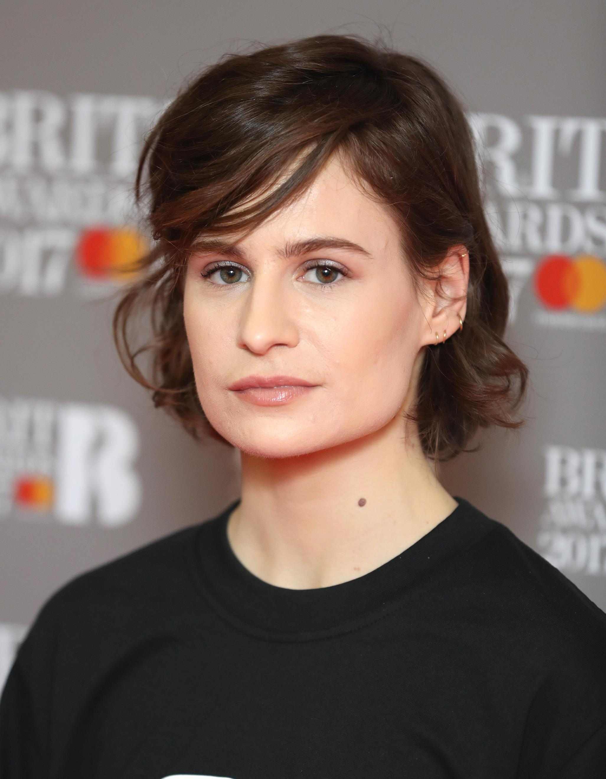 Christine and the Queens change radicalement de coupe de cheveux ...