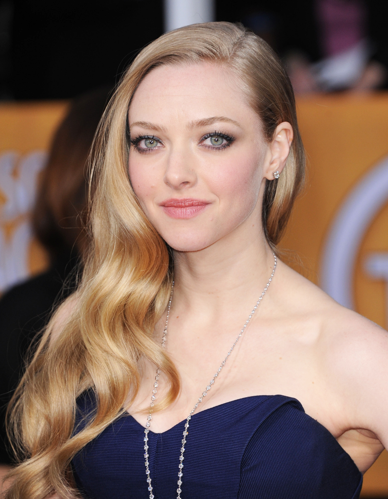 le blond cendr d amanda seyfried blondes c l bres 20 id es coloration leur piquer elle. Black Bedroom Furniture Sets. Home Design Ideas