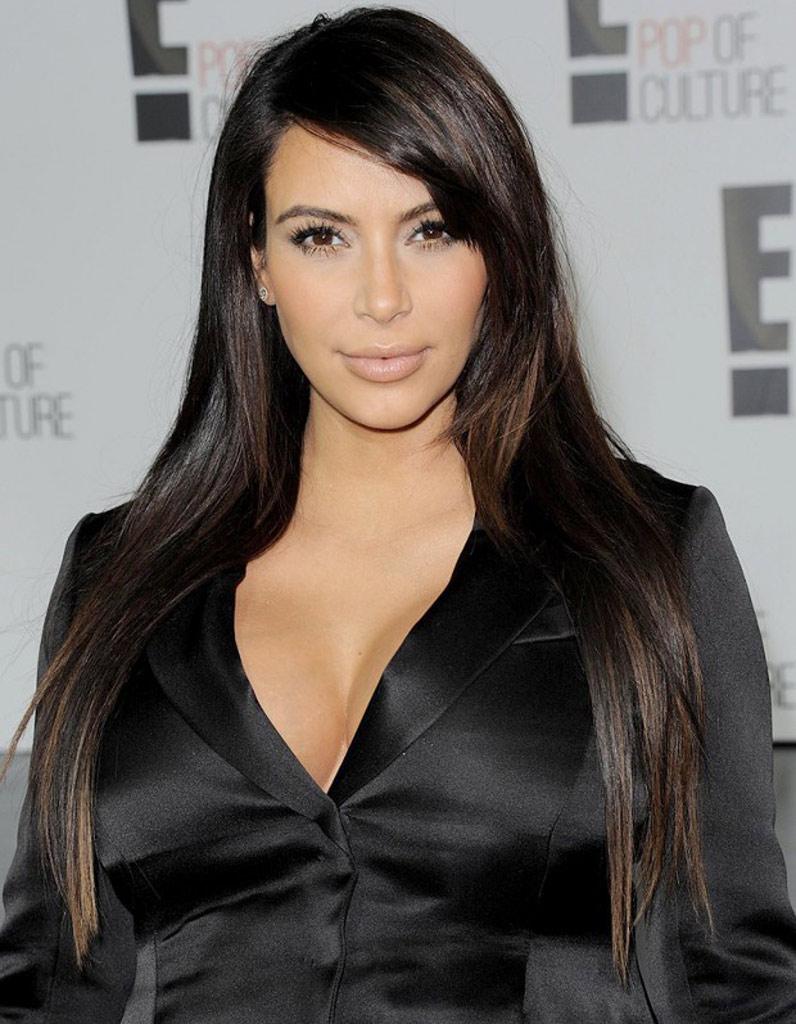 Kim Kardashian les cheveux bruns - Coiffures de stars  les 20 transformations les plus ru00e9ussies ...