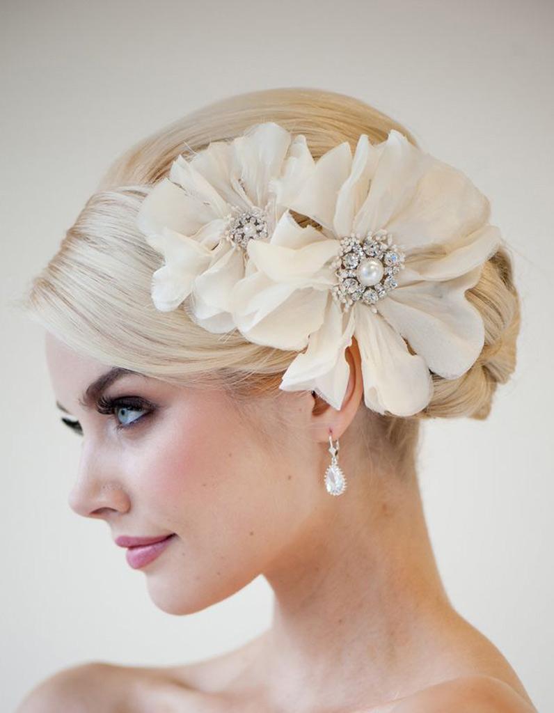 Coiffure mariée robe bustier , Les plus jolies coiffures de mariée pour  s\u0027inspirer , Elle