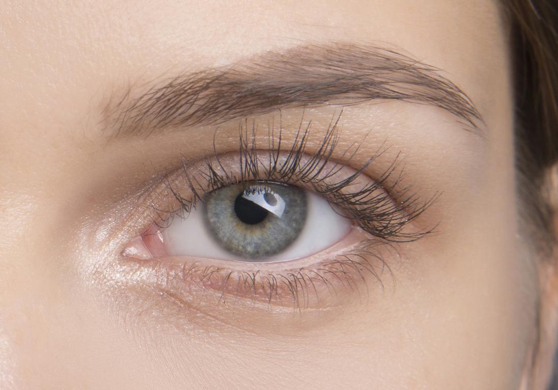 maquillage des yeux avec faux cils 10 nouvelles fa ons de maquiller ses cils elle. Black Bedroom Furniture Sets. Home Design Ideas