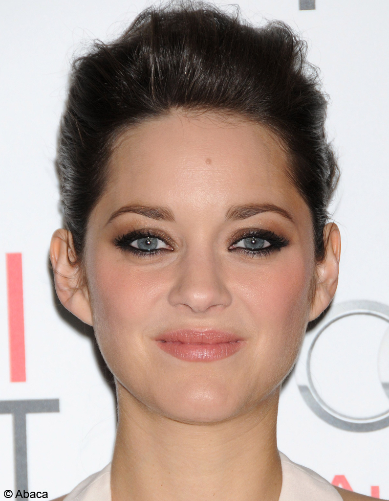 les yeux smoky dor s de marion cotillard les beauty. Black Bedroom Furniture Sets. Home Design Ideas