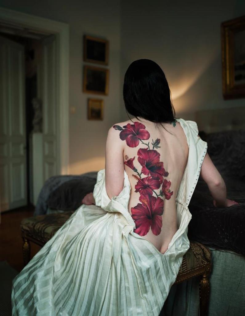 Top Idée tatouage : des hibiscus géant - Les 40 plus beaux tatouages  BB03