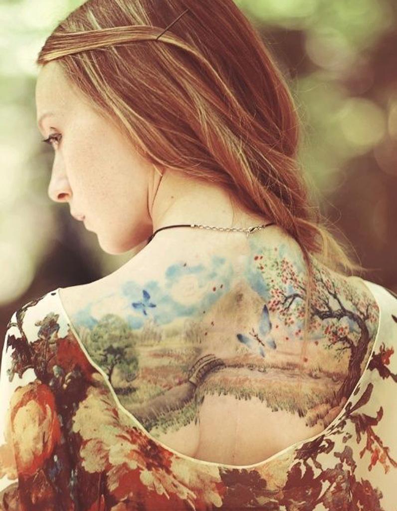 id e tatouage une aquarelle les 40 plus beaux tatouages de pinterest elle. Black Bedroom Furniture Sets. Home Design Ideas