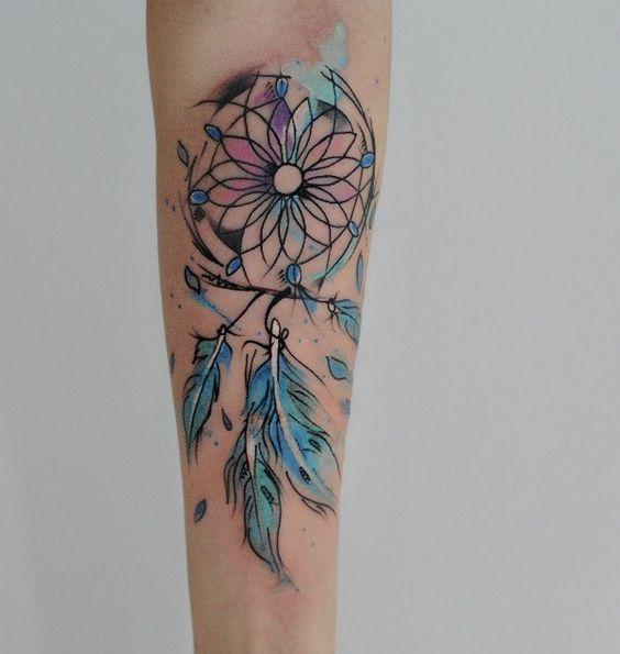 tatouage aquarelle plume les plus jolis tatouages aquarelle pour voir la vie en technicolor elle. Black Bedroom Furniture Sets. Home Design Ideas