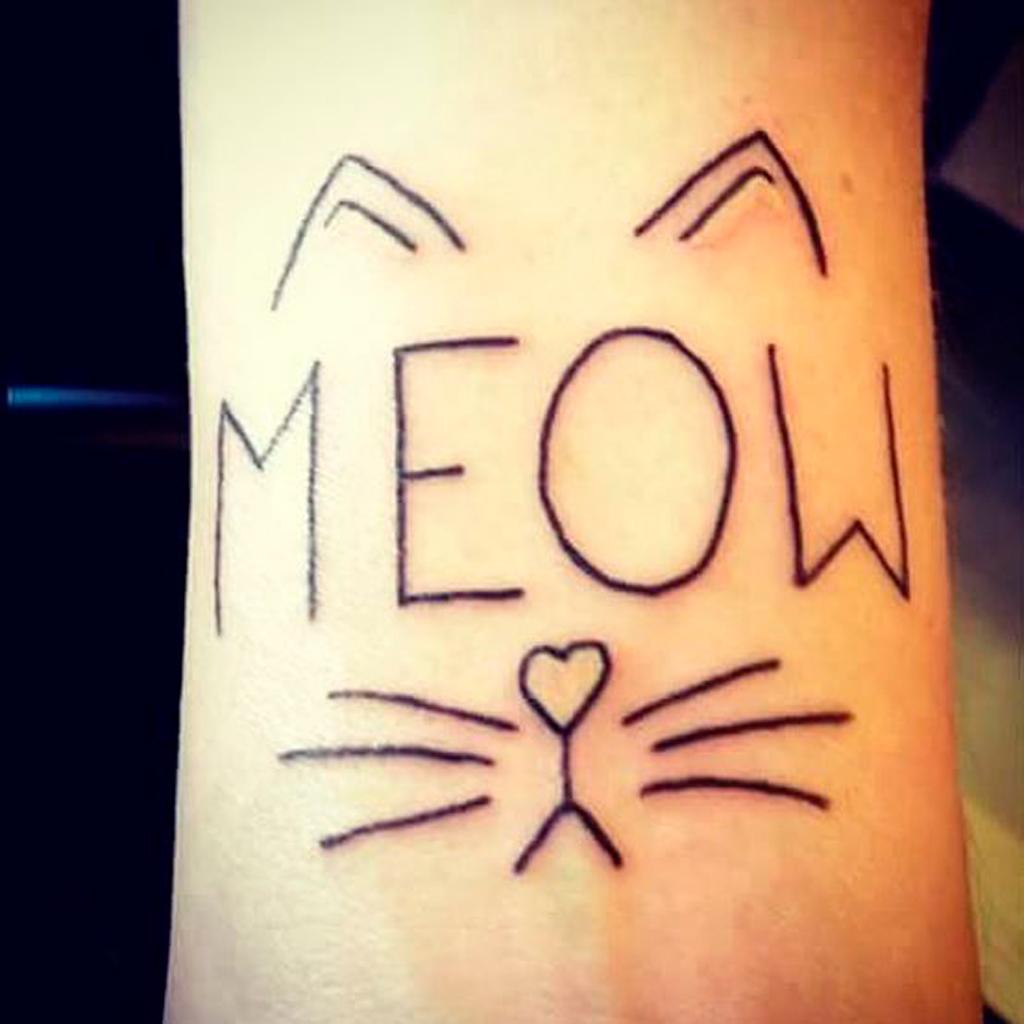 Dessins chats stylis s galerie tatouage - Tatouage silhouette chat ...