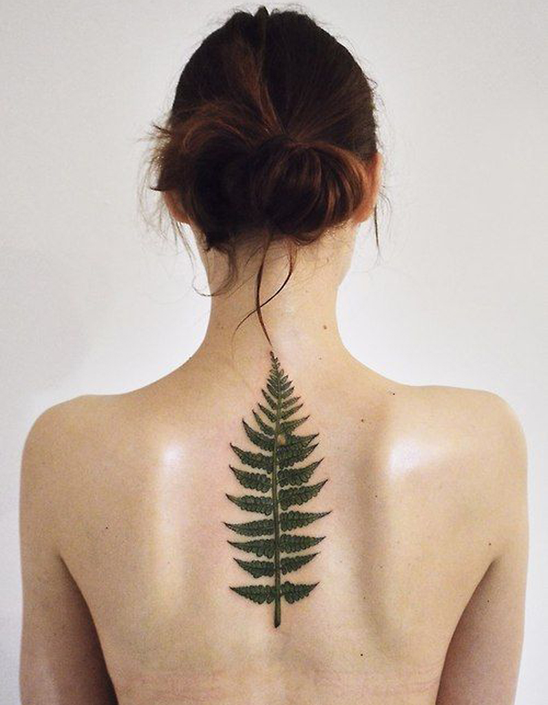 Tatouage colonne vert brale dessin oserez vous le tatouage sur la colonne vert brale elle - Tatouage colonne vertebrale ...