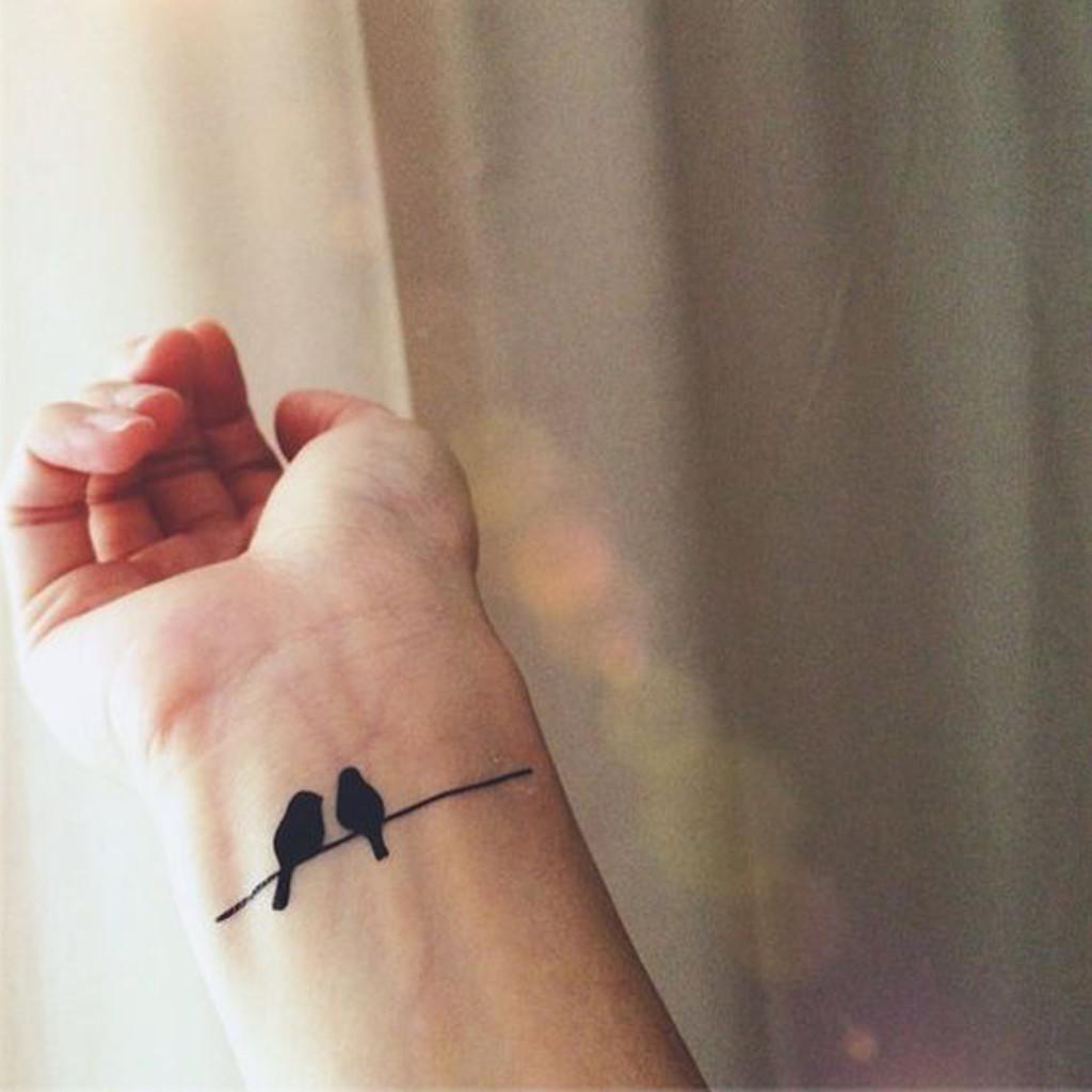 tatouage poignet oiseaux galerie tatouage. Black Bedroom Furniture Sets. Home Design Ideas