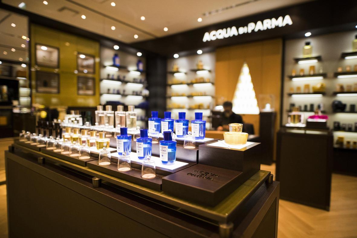 La boutique de parfum d 39 aqua di parma 4 boutiques de - Parfum boutique comptoir des cotonniers ...