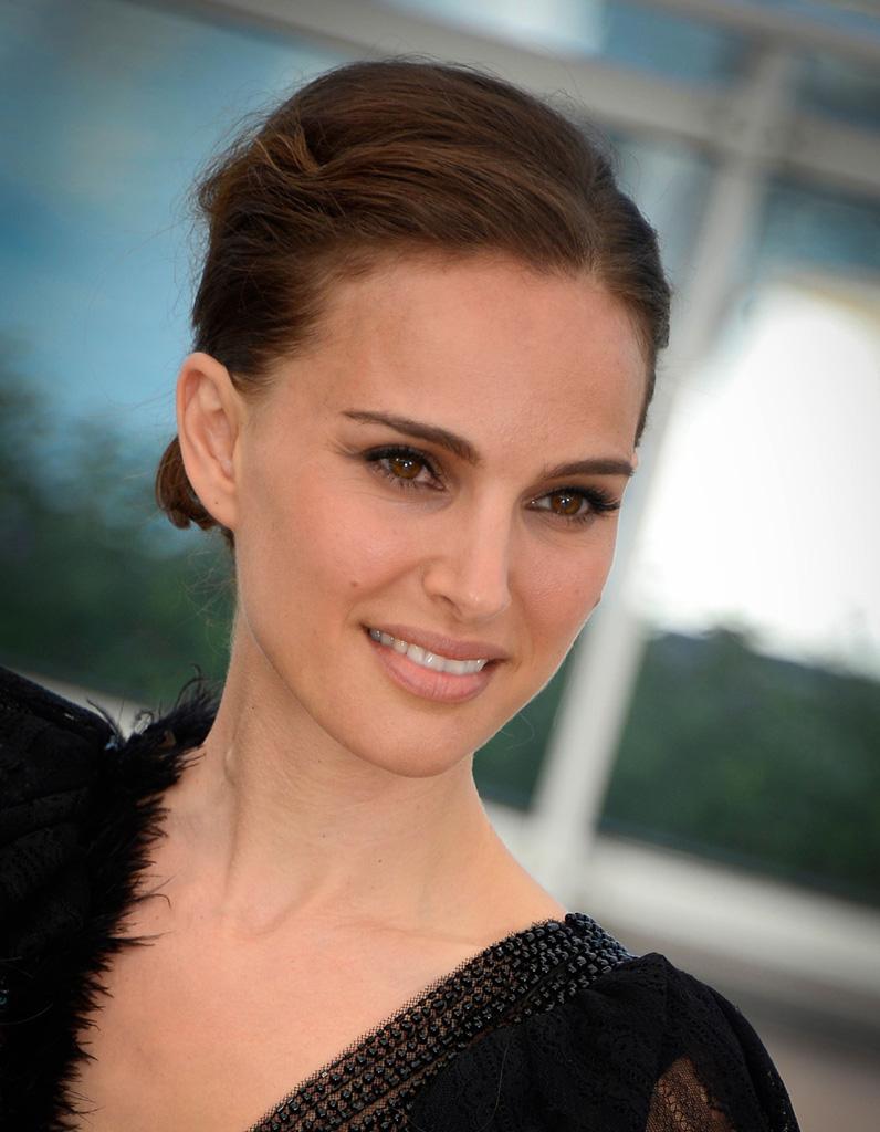 Le chignon ondulé de Natalie Portman au Festival de Cannes 2015