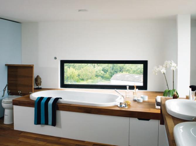 8 salles de bains vivre elle d coration for Decoration fenetre salle de bain