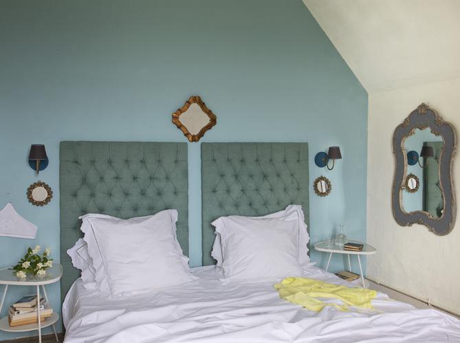 dossier sp cial t tes de lits et chevets elle d coration. Black Bedroom Furniture Sets. Home Design Ideas