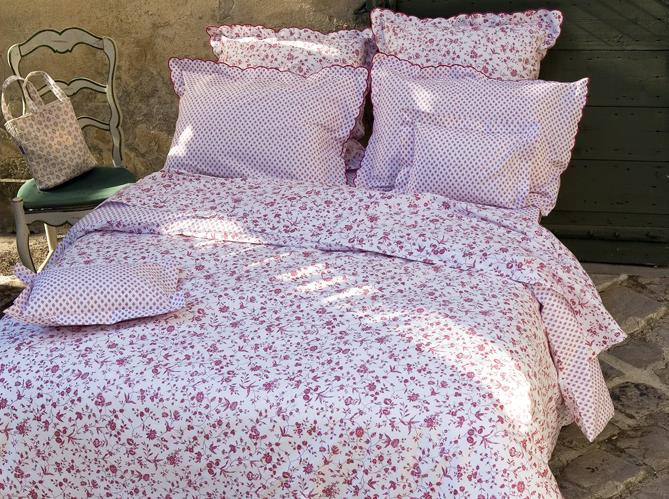 Du linge de lit tr s fleuri elle d coration - Cyrillus linge de lit ...