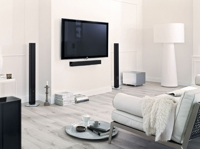 Je veux un home cin ma beau et discret elle d coration - Salon home cinema ...