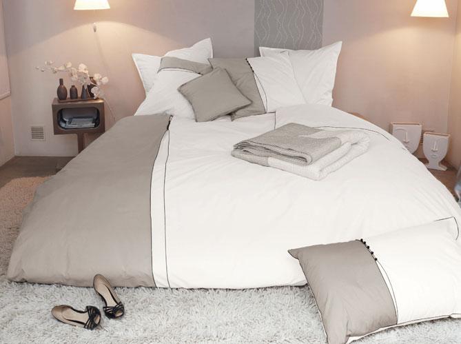 Le linge de lit donne le ton elle d coration for Linge de maison cambrai
