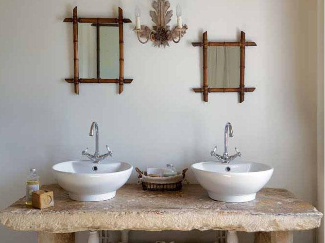 Salles de bains belles au naturel elle d coration - Leroy merlin salle de bain meuble sous vasque ...