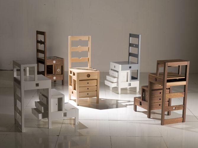 une chaise multifonction elle d coration. Black Bedroom Furniture Sets. Home Design Ideas