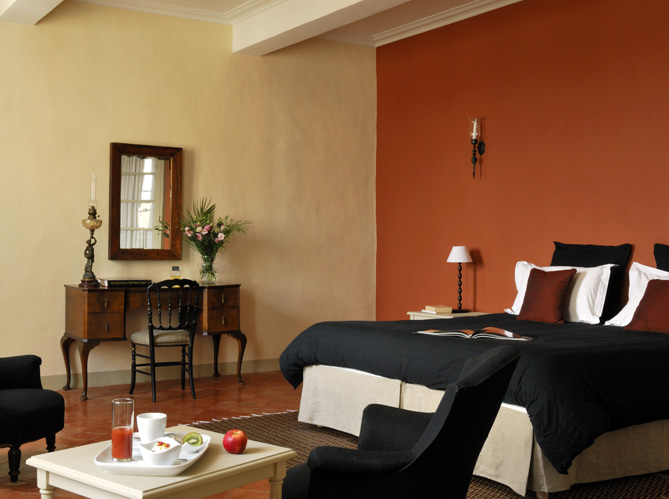 Une maison du xviiie ultra color e il fallait oser elle d coration - Chambre coloree ...