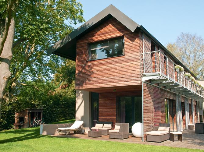 une maison colo ultra moderne elle d coration. Black Bedroom Furniture Sets. Home Design Ideas