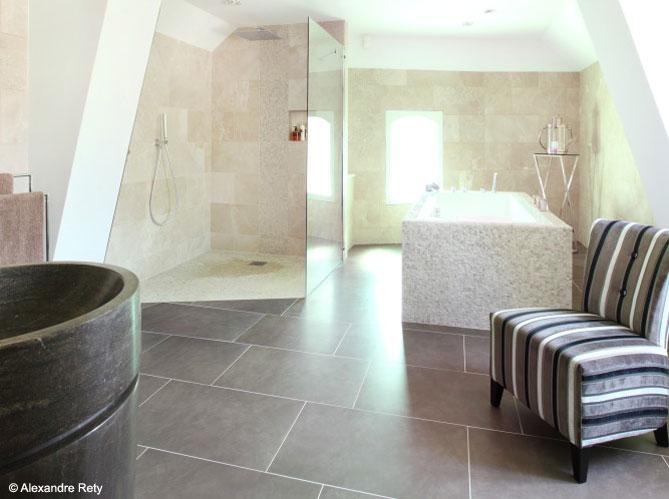 une salle de bains en pierre so chic elle d coration. Black Bedroom Furniture Sets. Home Design Ideas