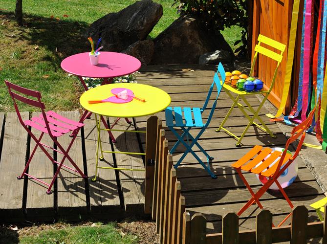20 meubles de jardin pour vos enfants elle d coration - Chaise de jardin couleur ...