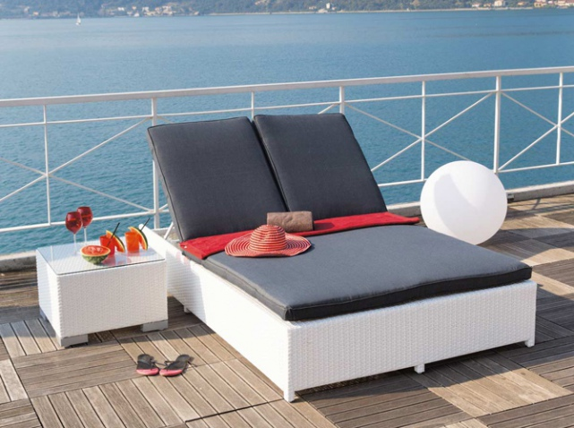 Transats chaises longues et bains de soleil pour l t - Maison du monde bain de soleil ...