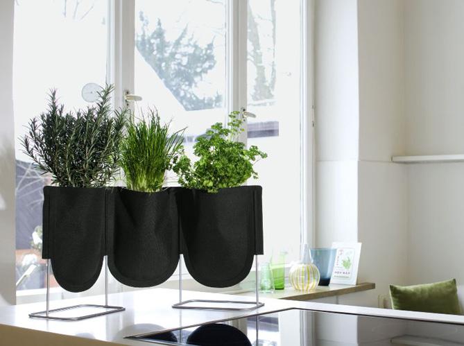 Notre s lection de cache pots pour mettre en valeur vos - Pot mural pour plante interieur ...
