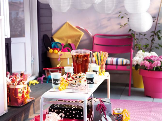4 styles pour un balcon elle d coration. Black Bedroom Furniture Sets. Home Design Ideas