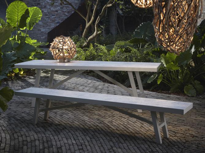 60 bancs de jardin pour profiter de l'été ! - Elle Décoration