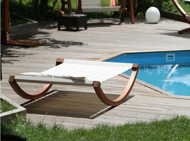 quelle chaise longue pour mon jardin elle d coration. Black Bedroom Furniture Sets. Home Design Ideas