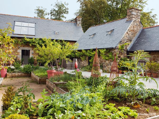 jardiner avec la lune elle d coration. Black Bedroom Furniture Sets. Home Design Ideas