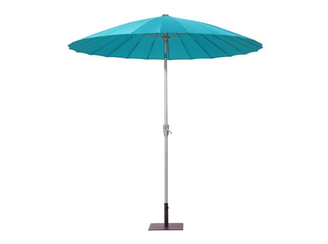 Cet t les meubles color s s invitent au jardin elle d coration - Parasol rectangulaire inclinable castorama ...