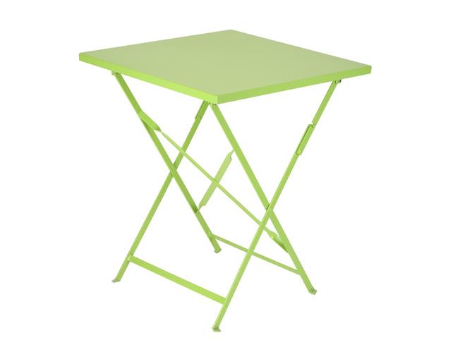 Cet t les meubles color s s invitent au jardin elle for Table de jardin ikea