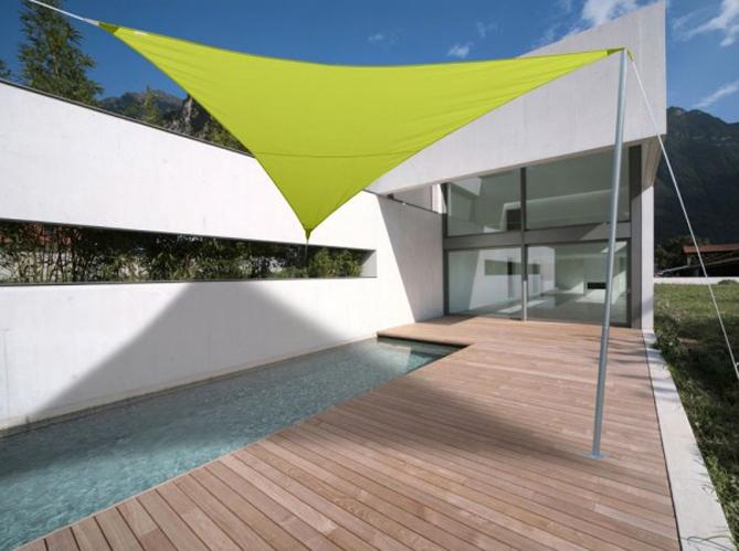 cet t les meubles color s s invitent au jardin elle d coration. Black Bedroom Furniture Sets. Home Design Ideas