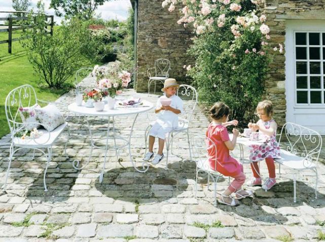 Youhou un coin jardin r serv aux enfants elle d coration for Au jardin des oliviers barr