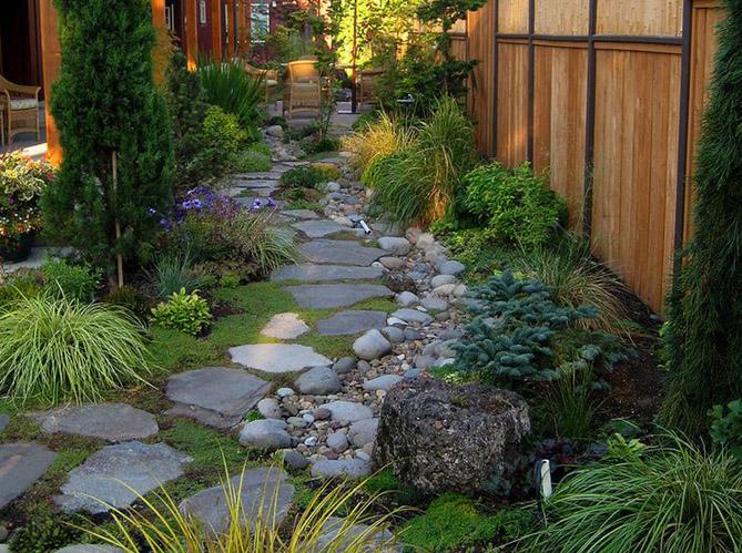 Comment cr er un jardin alpin sur une terrasse elle Idee deco jardin en pente
