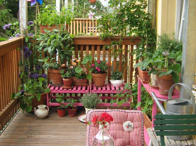 5 id es de jardin pour mini balcon elle d coration - Idee deco petit balcon ...