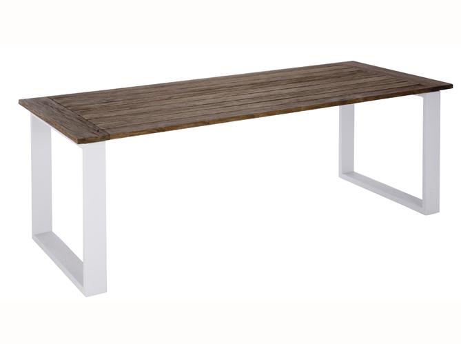 Choisissez votre table de jardin elle d coration for Deco table exterieur