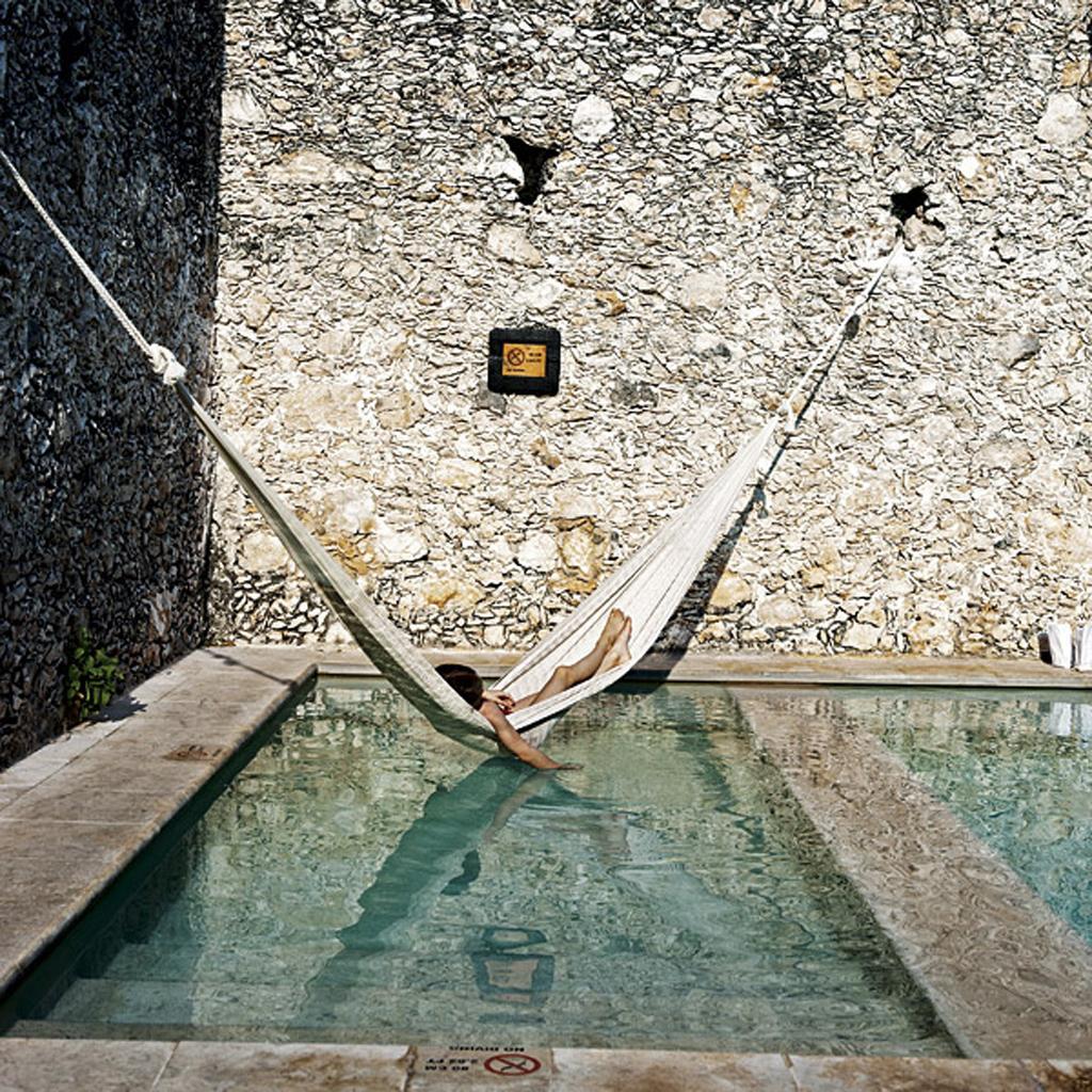 Les piscines de r ve de notre t sur pinterest elle for Piscine coque noire