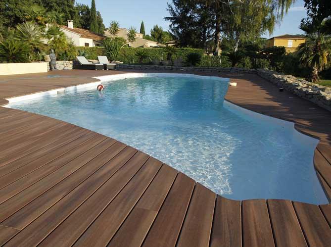 Une piscine pour tous les styles elle d coration - Forme de piscine creusee ...